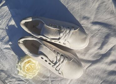 спортивная обувь кроссовки в Ак-Джол: Кеды размеры 36-41