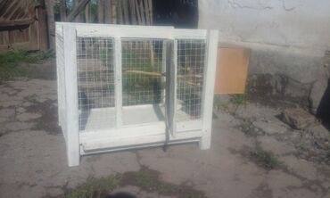 накидка на клетку попугая в Кыргызстан: Продаю клетку для папугаев в клетке имеется паилка, кармушка, жор