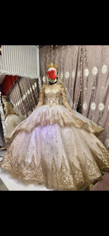 Суперская свадебное платье в живую не описать словами оооочень