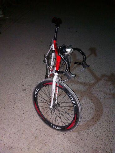 Salam velosiped tam yol velosipedidi. Hec bir ciddi problemi yoxdu.  O