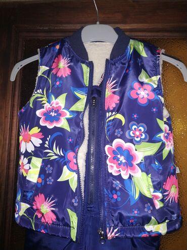 узбекские платья со штанами в Кыргызстан: Продам зимнюю куртку со штанами и желеткой на девочку. На три годика