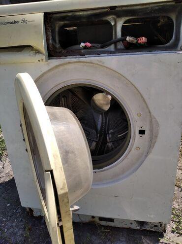 Продаю машинку на запчасти мотор рабочий подшипник не стучит нет с