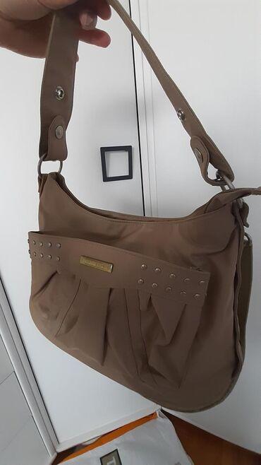 Nova EPOL BAGS torba krem boje.Praktična torba za svaki dan,sa puno