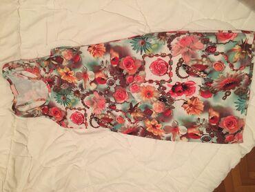 Univerzalna haljina Sa cvetnim detaljima