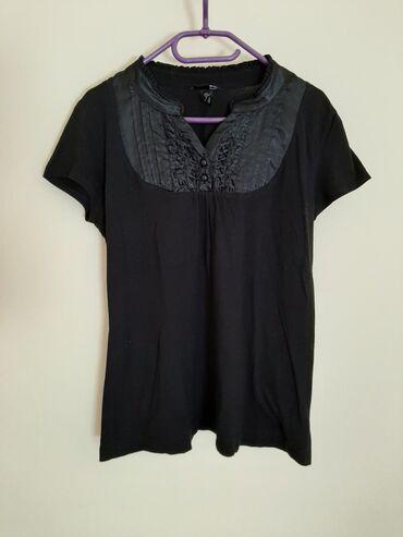 H & M pamuk saten bluza majica. Veličina piše L ali odgovara za M
