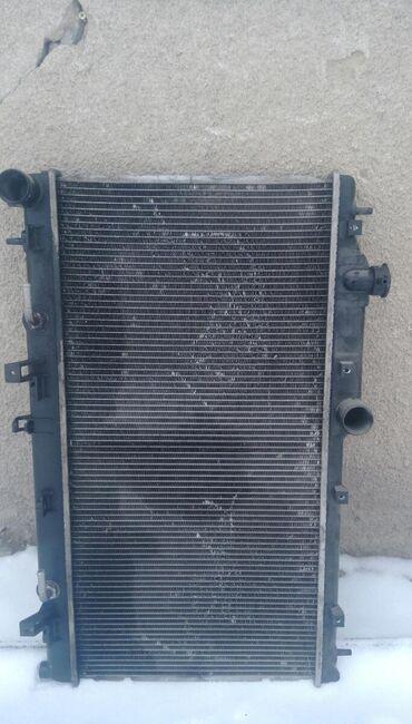 Радиатор на Субару ЛЕГАСИ be5,2.0