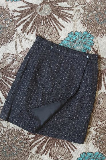 Duzina struk suknja - Srbija: Trikozazna suknja na preklop Duzina 48cm Struk 33cm