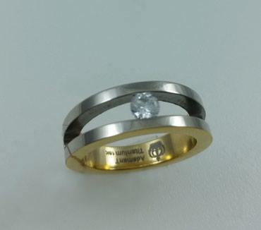 Кольцо из титана с цирконом. Размер 17,5. Цена 4000 Сом в Бишкек