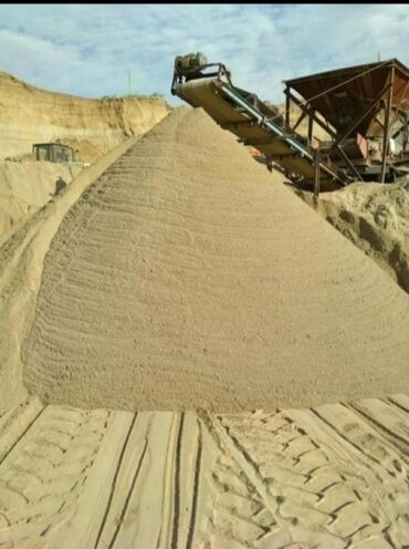 Дом и сад в Ак-Джол: Песок песок песок