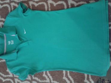 Majica zelena - Srbija: Nike original zenska zelena majica s kragnicom,kratki
