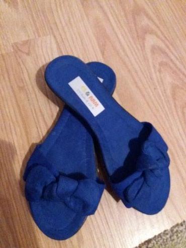 Potpuno NOVE kraljevsko.plave papuce sa masnicom. Broj 38, gaziste - Uzice