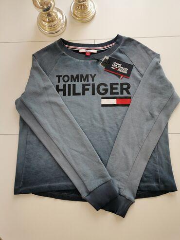 Tommy Hilfiger zenski duksNov, original, donet iz Amerike. Velicina S