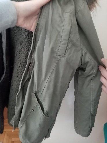 Jakna postavljena jesenja - Srbija: Zimska jakna, koja je sa unutrašnje strane postavljena, krzno oko