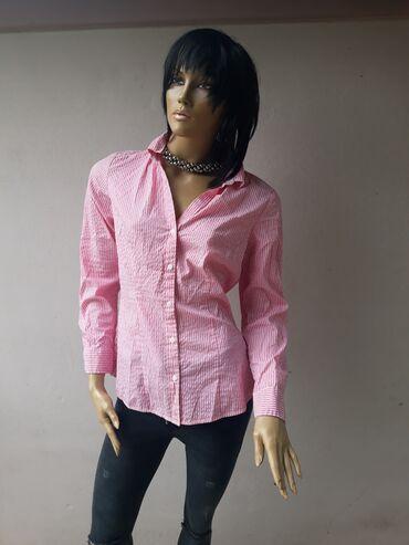 H&M košuljica nova ne nošena Ima elastina Velicina odgovara za M i