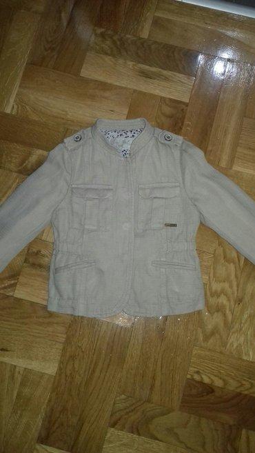 Prelepa zara jaknica za prolece i jesen u super stanju. Velicina 110 a - Smederevo