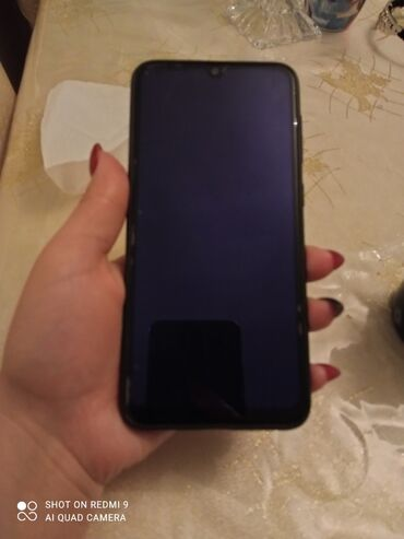 Samsung A50 64gb yaddawQadin iwledib hecbir problemi yoxdu teze kimidi