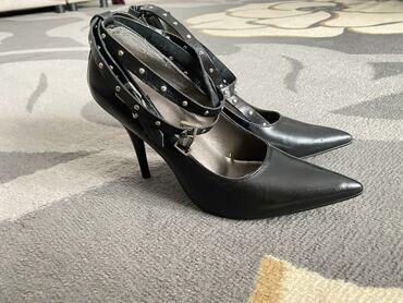 Личные вещи - Токтогул: Абсолютно новые элегантные кожаные туфли ! На узкую ножку !