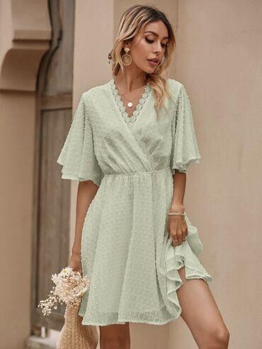 Καινούριο φόρεμα δεν έχει φορεθεί ποτέ γιατί είναι λάθος νούμερο