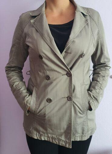 Decija jaknica ga - Srbija: Jesenja siva jaknica,velicina M,jedini nedostatak je par flekica