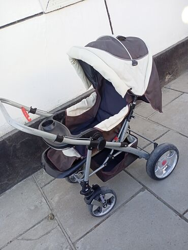 Коляски - Кыргызстан: Продается детская коляска. В хорошем состоянии. Цена 2000. Город Талас