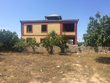 Bakı şəhərində Xezer rayonu Buzovna qesebesi Albalılıq yaşayış massivinde yerleşir.