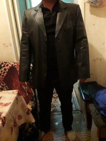 Продаю мужской кожанный пиджак с в Бишкек