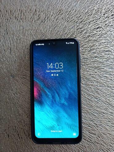 2483 oglasa: Samsung A20   32 GB   crno   Fingerprint