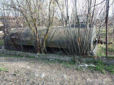 пластиковая бочка бишкек в Кыргызстан: Продаю ёмкость цистерна цистерны бочка бочки длина 4м 50см ширина 2м