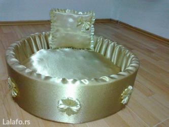 Materijal : sundjer,saten boje zlata,neklizajuce dno,jastuk punjen - Beograd