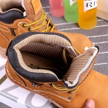 Мужские ботинки в Кыргызстан: Зимние и осенние берцы  цвета военно-зеленый, розовый, темно-коричневы