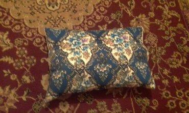 продаю подушки 50-70, 65-65. наполнитель синтепон. принимаем   в Бишкек