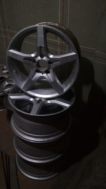 Mercedes R17 в отличном состоянии! Параметры дисков 8jx17h2et48. Mers