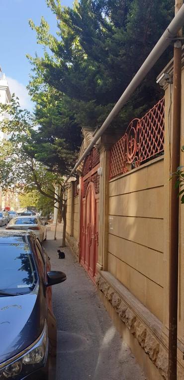 Bakı şəhərində Satış Evlər mülkiyyətçidən: 7 otaqlı