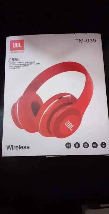 JBL E55 BT najsnažnije bežične slušalice iz nove E serije, opremljene