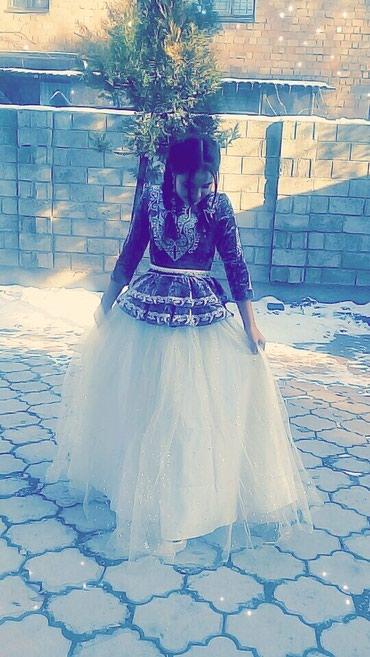 Свадебные платья - Токмак: Продаю платье на кыз узатуу. размер 42