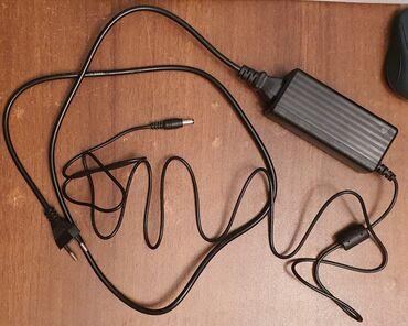 Enerji mənbələri - Azərbaycan: Adapter (AC)Model 12048WA-QXEGiriş : 100-240 V, 50/60 HzÇıxış : 12 V