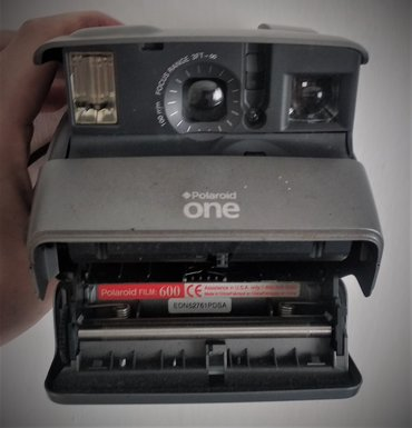 reebok classic leather в Кыргызстан: Polaroid One600 Classic Instant  Кассеты нет!