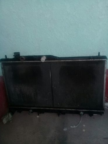 Радиатор на Субару Аутбек 3 куб 2003 .в. 1000сом в Каракол