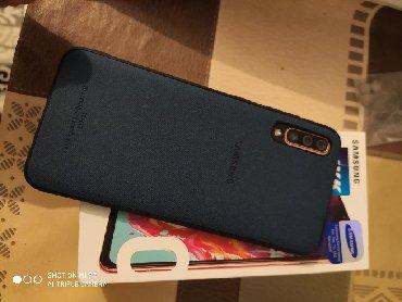 İşlənmiş Samsung A70 128 GB narıncı