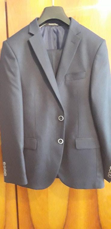 Bakı şəhərində Kostum (Renato Ricci) bir defe geyilib son zengde