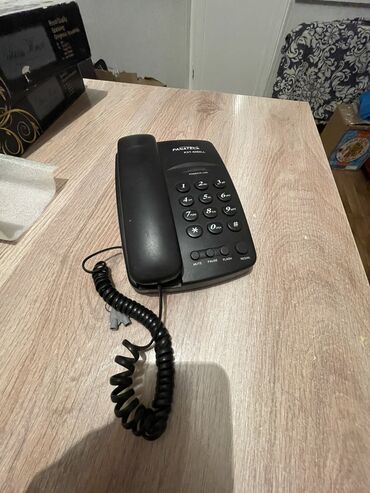 Продаю телефонные аппараты по 300сом каждый