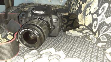 Canon EOS 700D saz vezyetdedi her şeyi var 18-55 mm linza üadünde 32 g