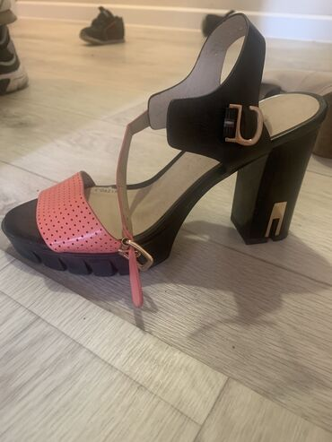 Туфли37 размер
