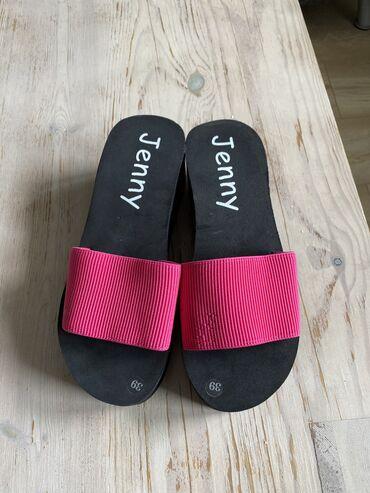 туфли-новые в Кыргызстан: Шлепки. Новые, красивые и очень удобные. Размер 39, подойдут на 38