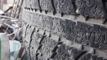 диски на 16 в Кыргызстан: Продаю зимние шины 2 штуки фирмы Тоүо размер 205/55/16 цена