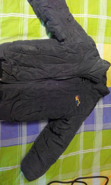 Зимняя тёплая куртка на 3-4-5 лет. В в Бишкек