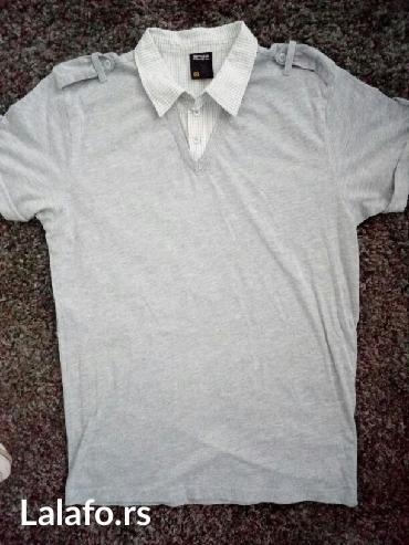 Majica sa kragnom,nije nosena. Pogledajte i ostale moje oglase. Hvala - Kladovo