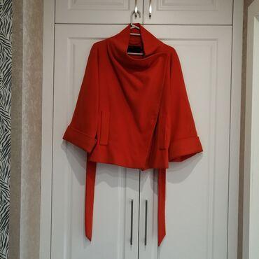 - Azərbaycan: Palto. 2ci el .normal vezieyetdedir. M razmer. 30Azn