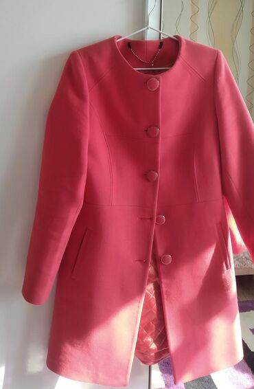 Пальто 46-48 размер 1000 сом