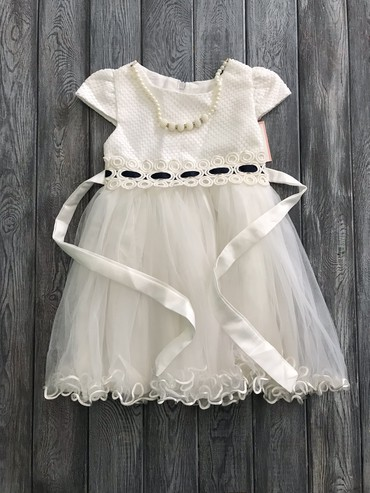 летнее платье трапеция в Кыргызстан: Новое платье на 3-4.5 года. Обащать в вотсап